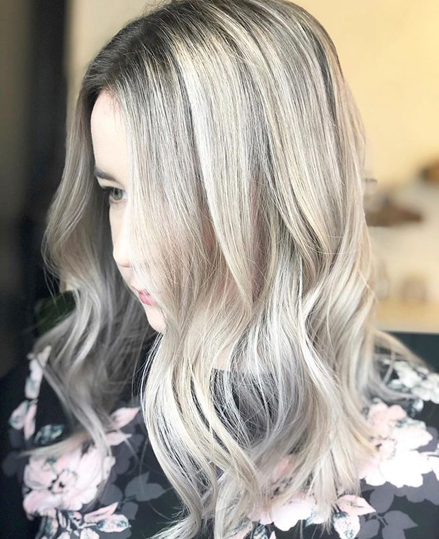 Gorgeous transformation by @hairbytawnee ✨ Tawnee has just joined our stylist team and she is taking new clients! Lucky you ⭐️#ariandblair #ariandblairsalon #yychair #yychairstylist