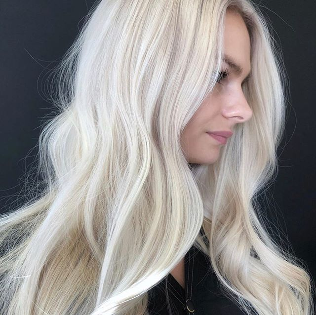 10 buckets of BlondeMe were used in the making of this photo ✨ Quote and hair by @erikadelucahair @schwarzkopfcan #ariandblair #ariandblairsalon #blondehair #blondeme #yychair #yychairsalon