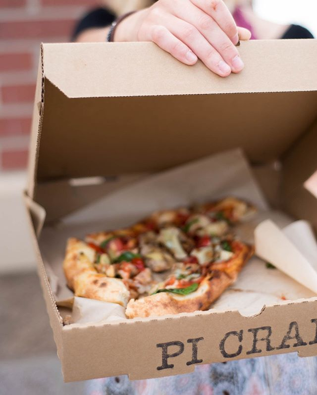 Can't make it in? Get a fresh, made-to-order Pi Craft Pizza delivered right to your door using Grub Hub now! 📦