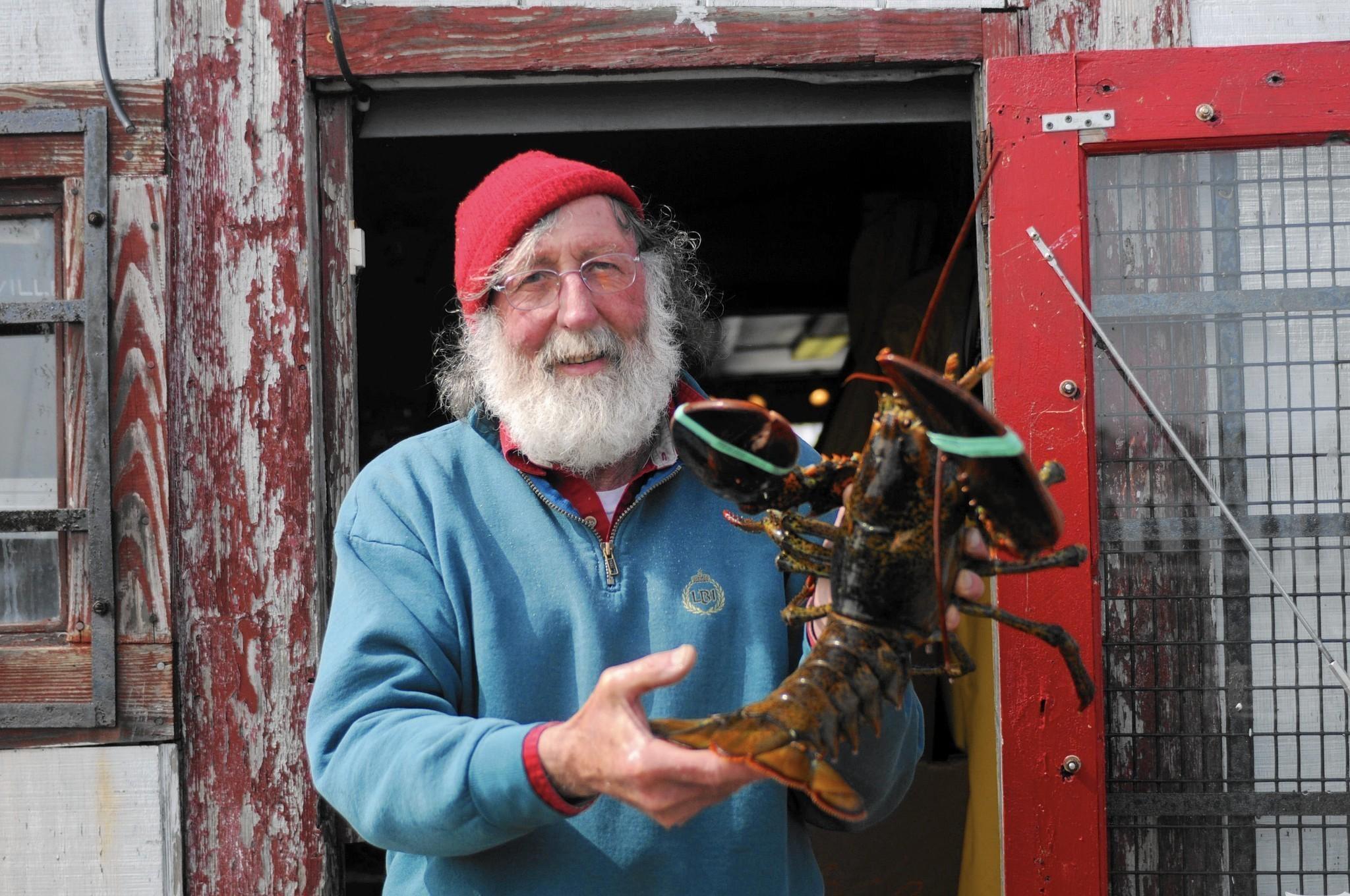 hc-lobster-landing-clinton-20150527.jpg