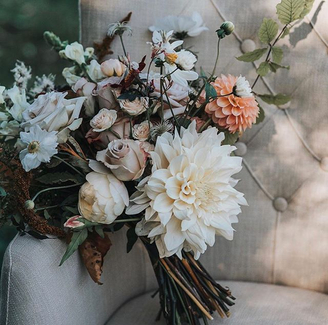 Beautiful Blooms | See lots of pretty flowers like this by @figandfernfloral this Sunday who will be exhibiting at the 'Oh Happy Day' Wedding Fair @thepumpinghouse | Image by @pearbearphotography