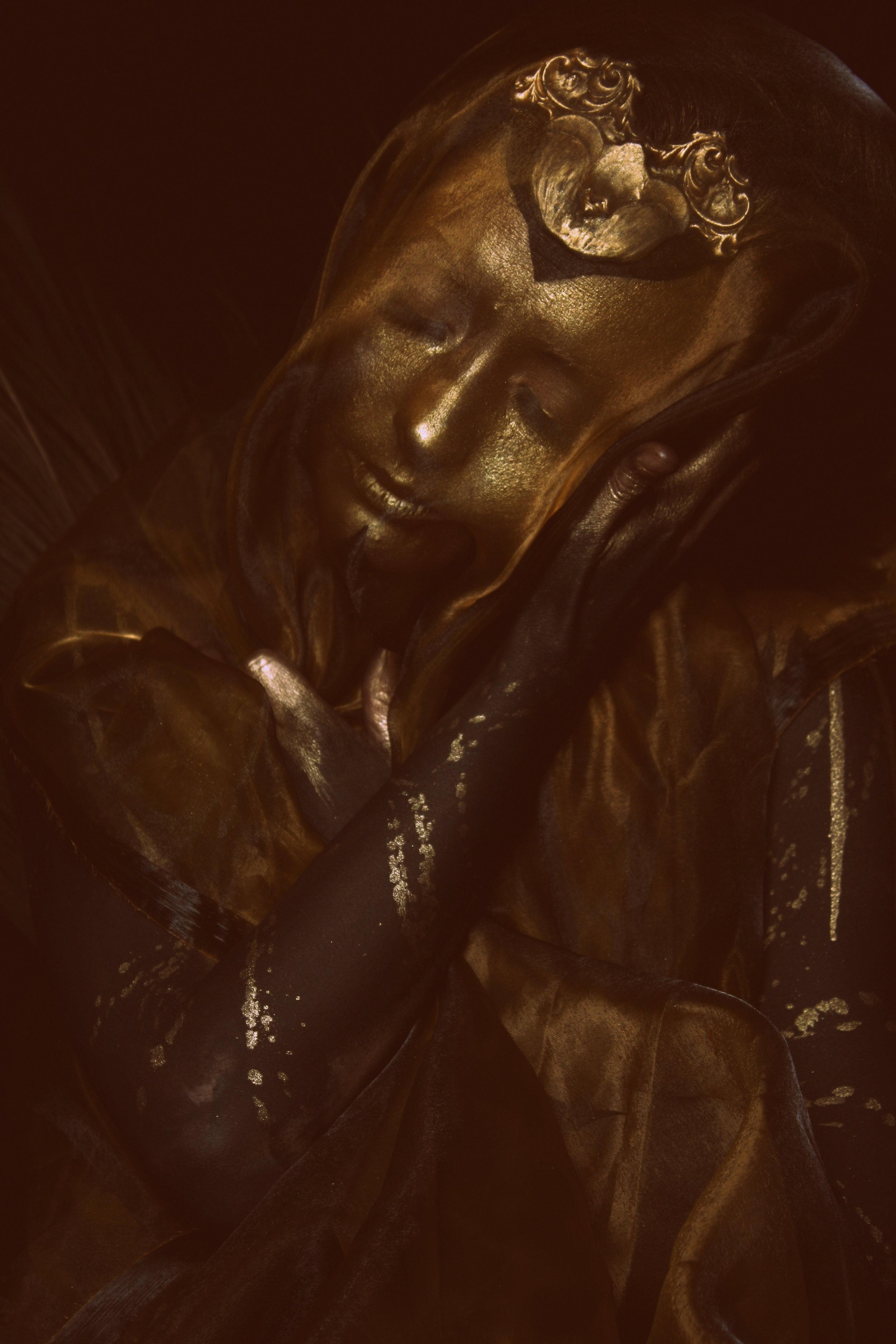 AmberMichael_Golden Goddess (1).jpg