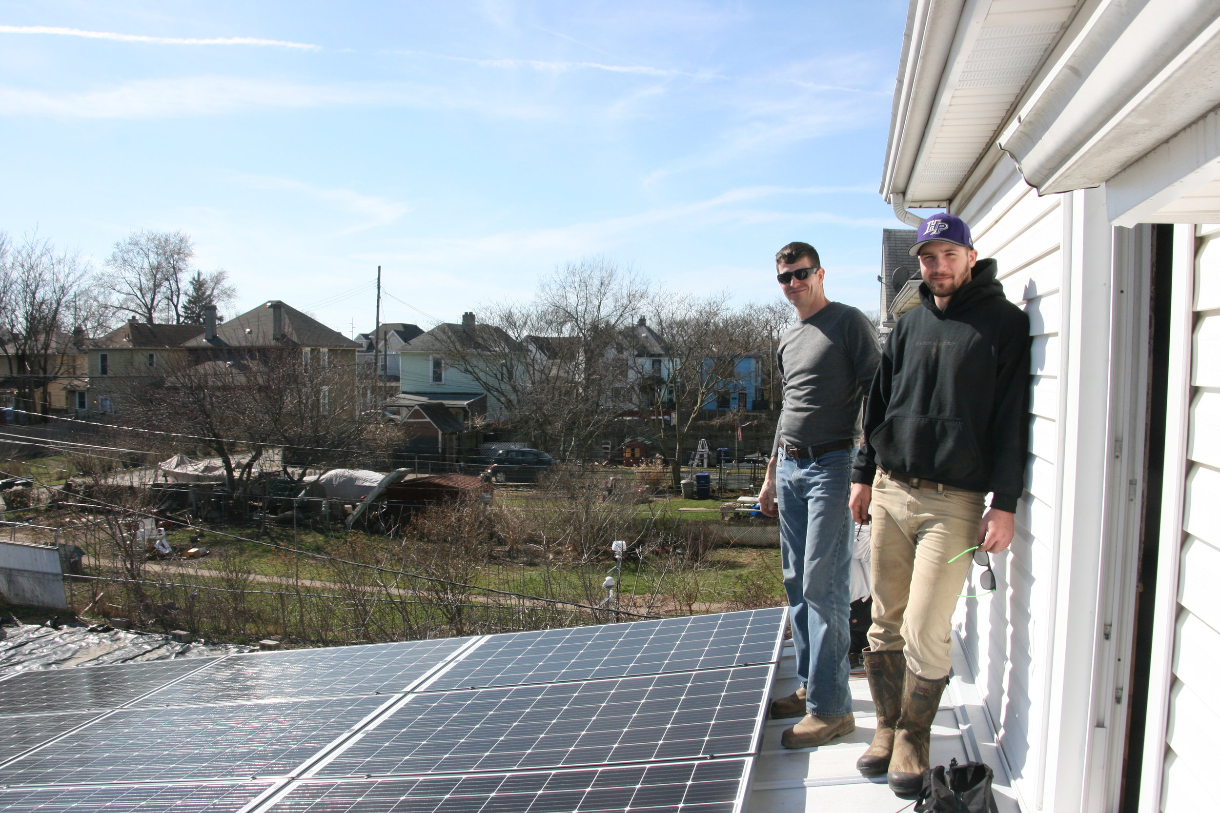 About - Franklinton Community Solar is a neighborhood-based nonprofit organization that was formed in 2015 by a small group of individuals who live, work, and worship in Franklinton. Through the years, Franklinton Community Solar has developed key partnerships with Design Energy and The Refuge to bring solar power and its benefits to all in the neighborhood. Franklinton Community Solar continues to connect with neighbors, landlords, businesses, faith communities, and other nonprofit organizations to expand Franklinton's network of solar electric systems.