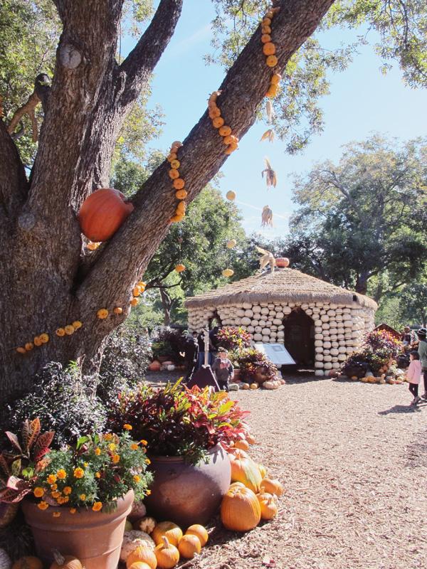 pumpkin-garland.jpg
