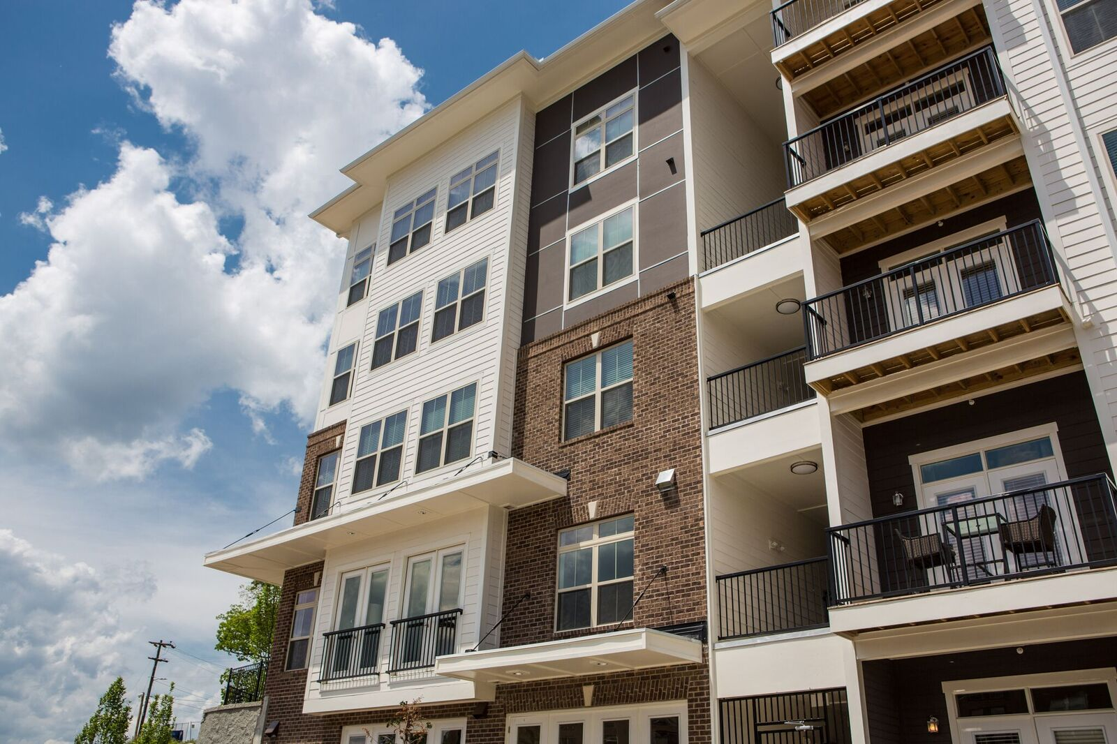 Asset Class : Multifamily   Location : Atlanta, GA   Investment  Date : June 2014   Status : Substantially Realized in October 2017    Size : 165-units   Description : Palatine made a preferred equity investment to partially capitalize the development of a multifamily property. Palatine partnered with a developer that was seeking the flexibility to potentially own the asset long-term. Palatine designed a preferred structure that provided Palatine with seniority rights in exchange for equitizing a portion of the investment at a fixed rate of return. The developer successfully completed, stabilized, and refinanced the project using a portion of the refinance proceeds to repay Palatine's preferred position.