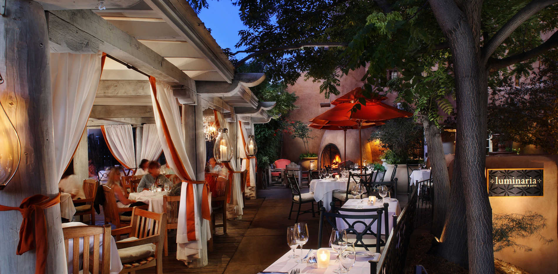 Top-Loretto-Santa-Fe-Hotel-Luminaria-Patio1.jpg
