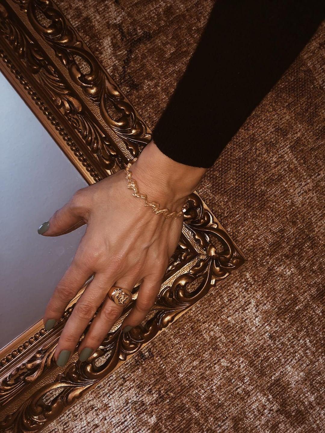 @venswife - Wearing Diploria Petite Bracelet and Diploria Unisex Signet Ring.