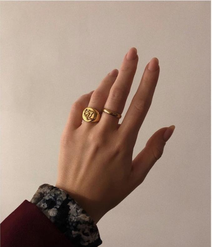 @cgrabowska - Wearing Diploria Unisex Signet Ring.