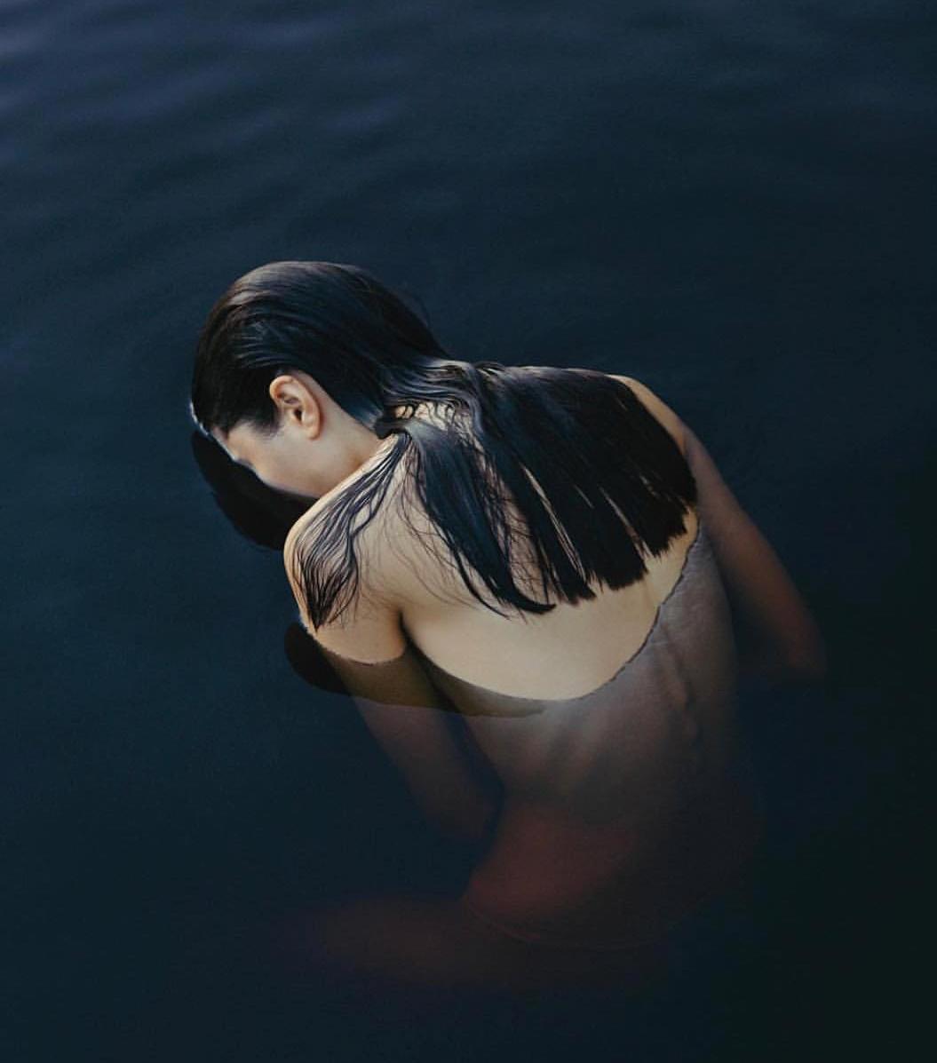 Breathing underwater - Photograph by Gleeson Paulino