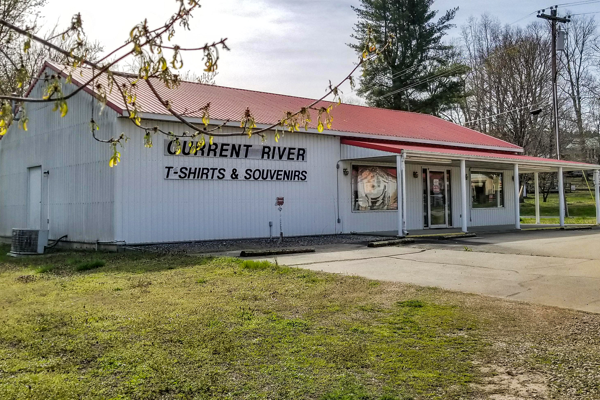 Current RiverT-Shirts & Souvenirs  - Make sure you stop for a souvenir of your time at Current River! The shop offers full service custom t-shirts, floating supplies, water shoes and more.
