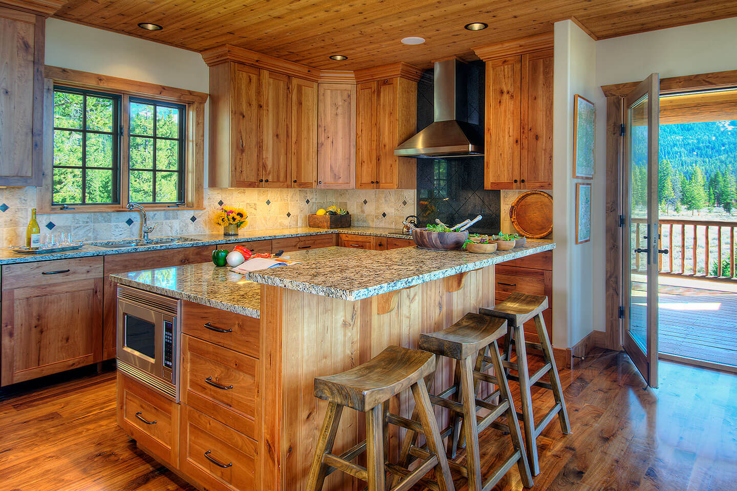 Kitchen with a rustic touch