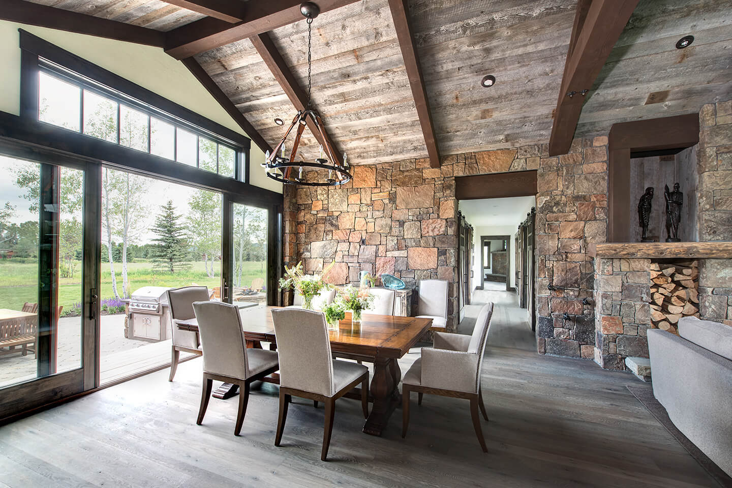 Mountain modern dining room