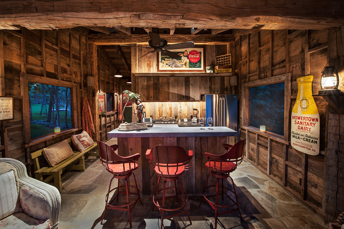 Rustic style bar with vintage elements