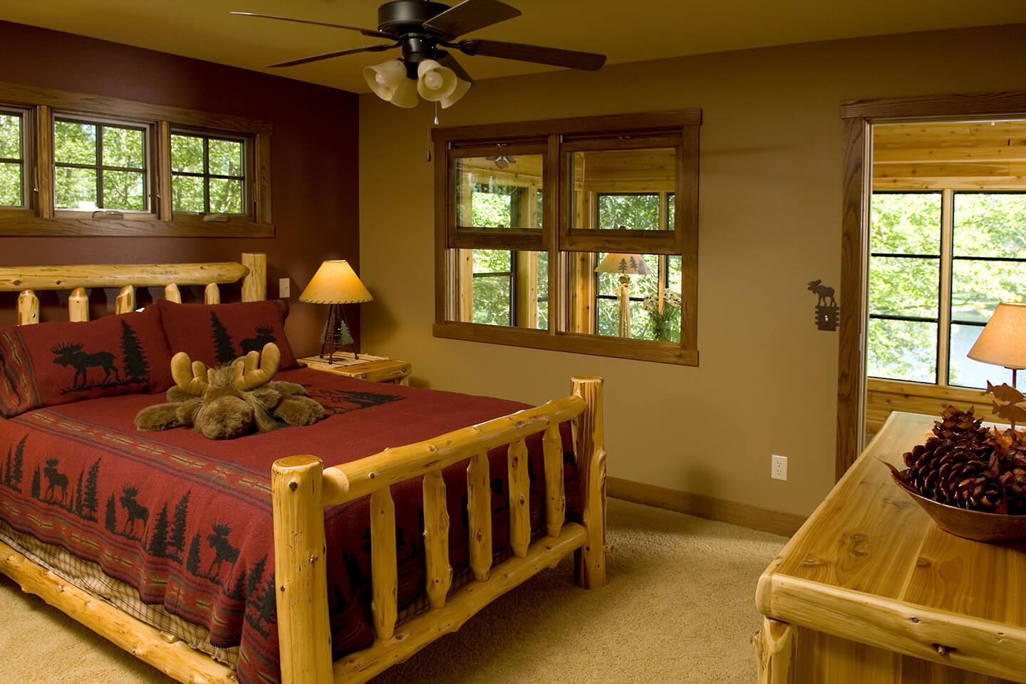 "Bedroom ""log cabin"" style"