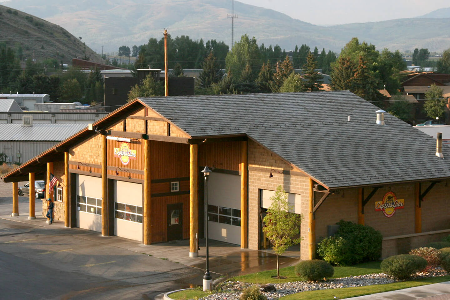 Car wash and auto services building