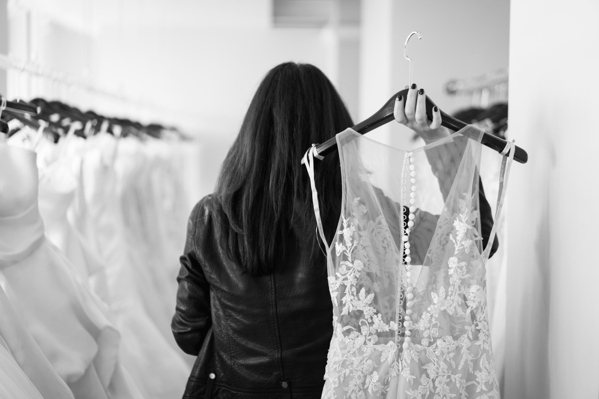 picking-out-dresses-warren-barron-bridal.png