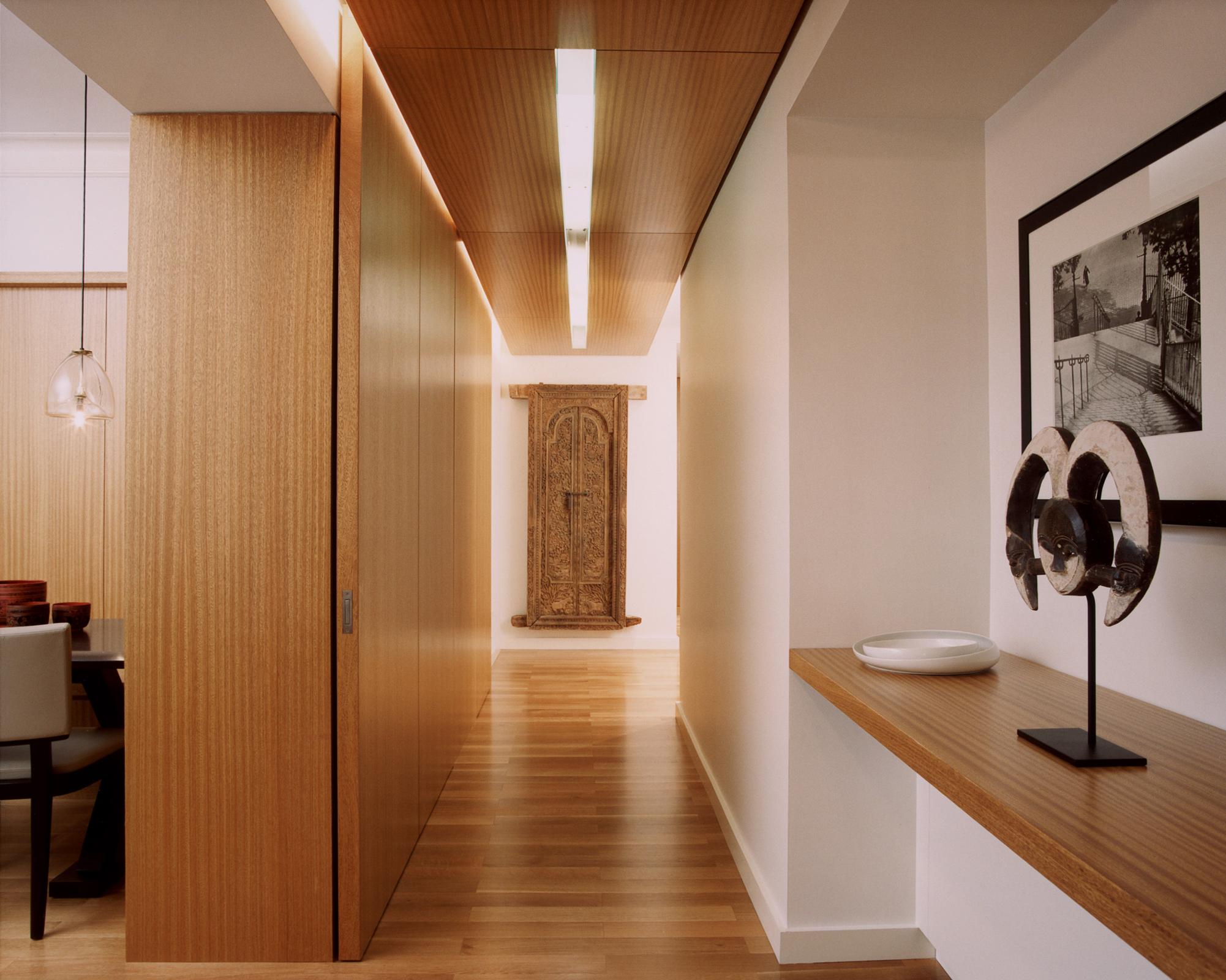 Gold-Coast-hallway.jpg