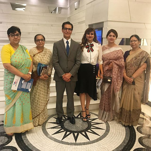 Congratulations to Drs. Shivani Gour and Richa Katiyar who have been chosen as the organizers of next year's EndoMarch in Delhi.  Professor Camran Nezhat discussed the dilemma of Endometriosis with more than 200 physicians in Delhi as part of raising awareness and mission of EndoMarch.  This will be the third EndoMarch team in India, joining Teams Hyderabad and Chennai in raising awareness across the nation!  #teamindia #forwardwego #endometriosisawareness