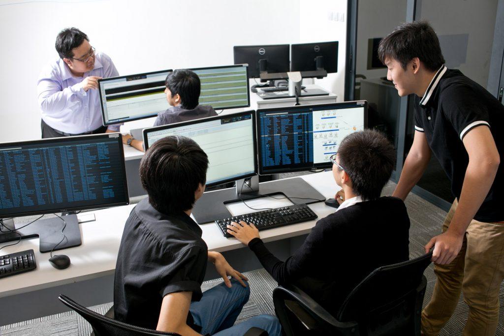 Cyber_Range_Training_-and_Simulation-1024x683.jpg
