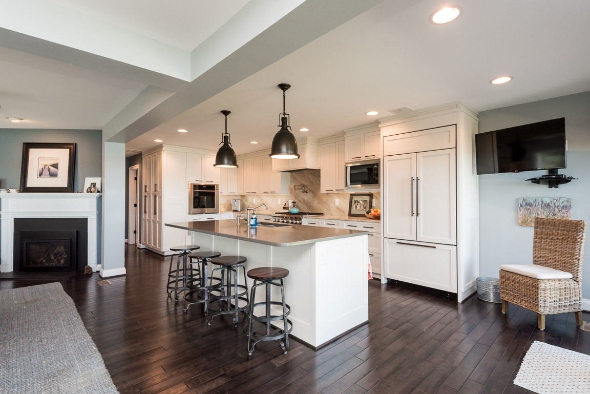 clover-oak-co-stagedtolive-arnoldmd-kitchen2.jpg