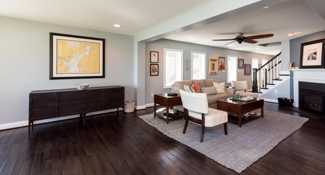 clover-oak-co-stagedtolive-arnoldmd-livingroom.jpg