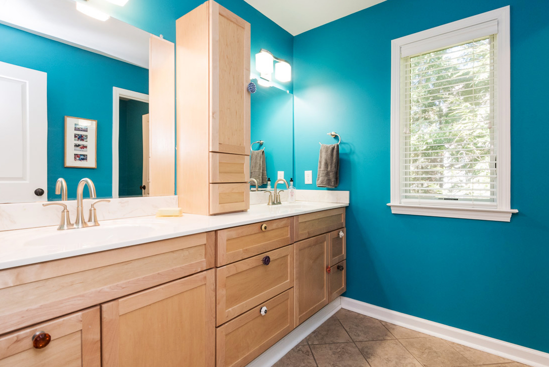 clover-oak-co-stagedtolive-arnoldmd-bathroom