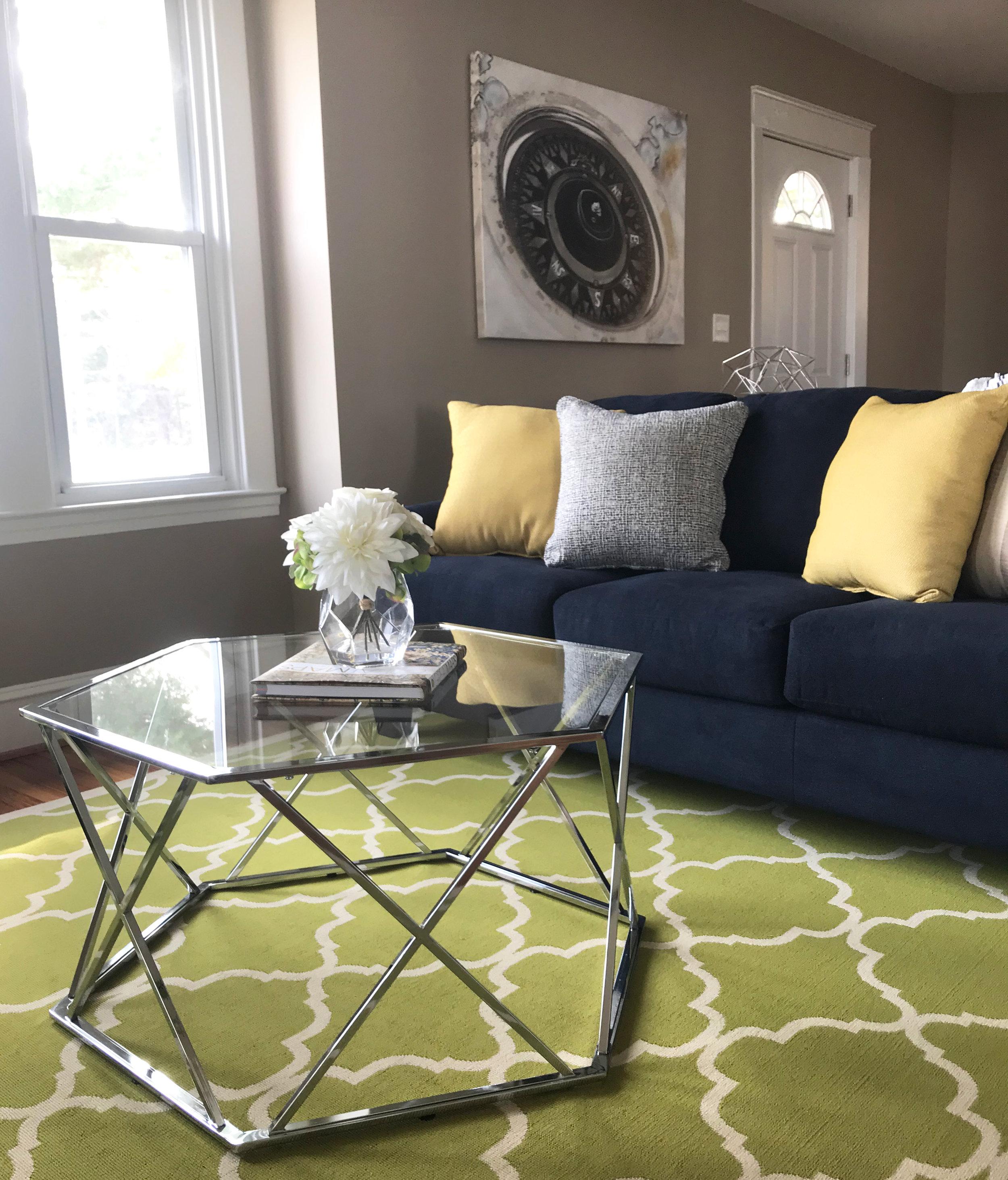 clover-oak-co-stagedtosell-linthicummd-livingroom2.jpg