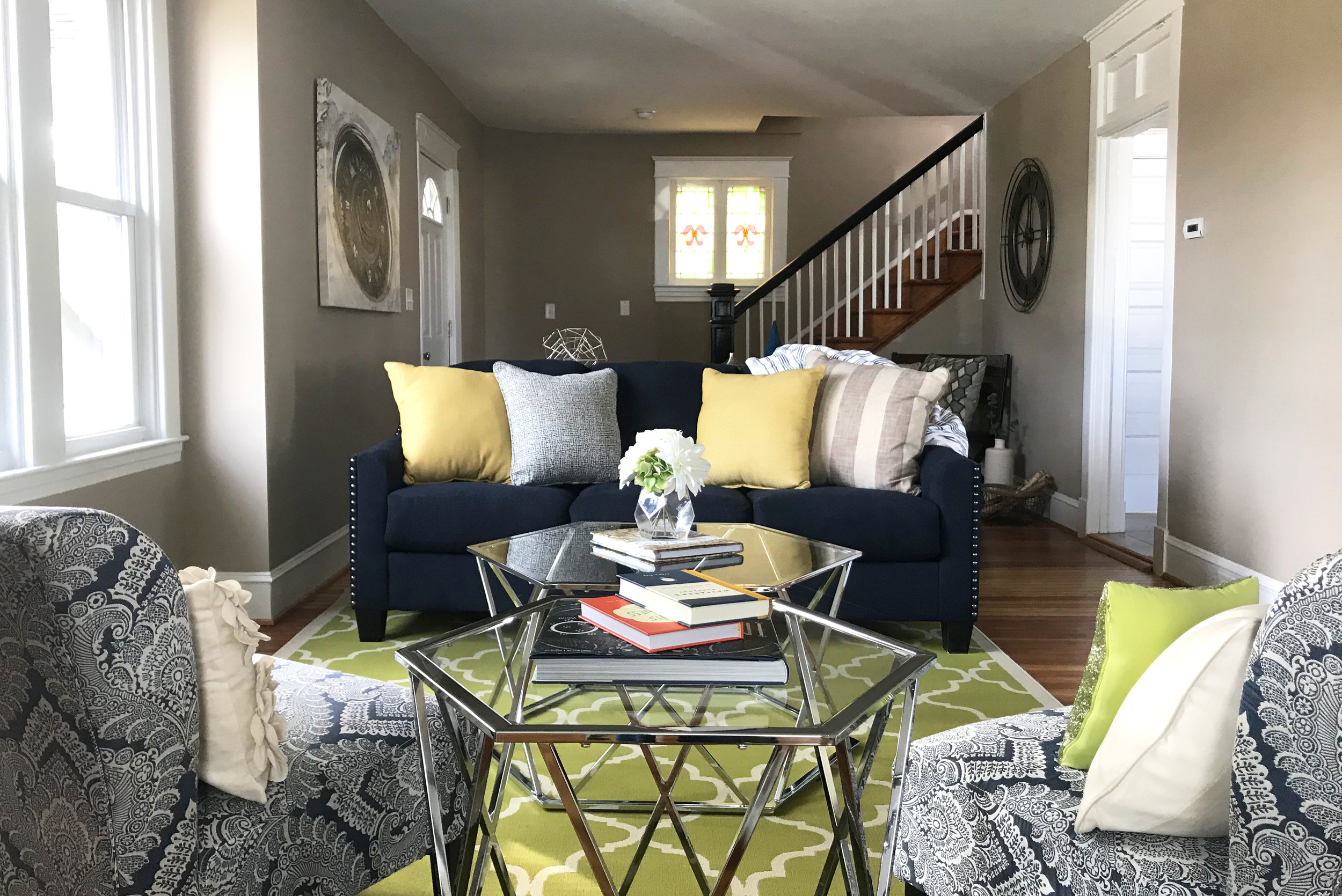 clover-oak-co-stagedtosell-linthicummd-livingroom1.jpg