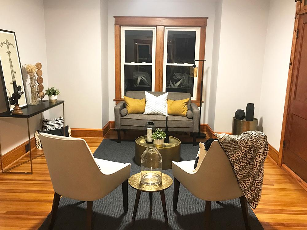 clover-oak-co-stagedtosell-livingroom.jpg