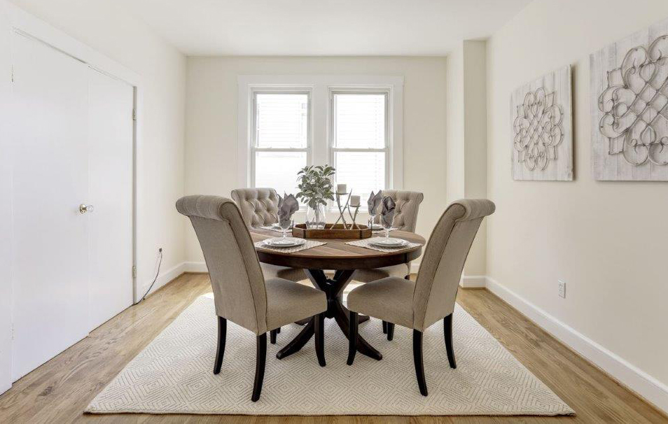clover-oak-co-stagedtosell-harlemroad-diningroom.jpg