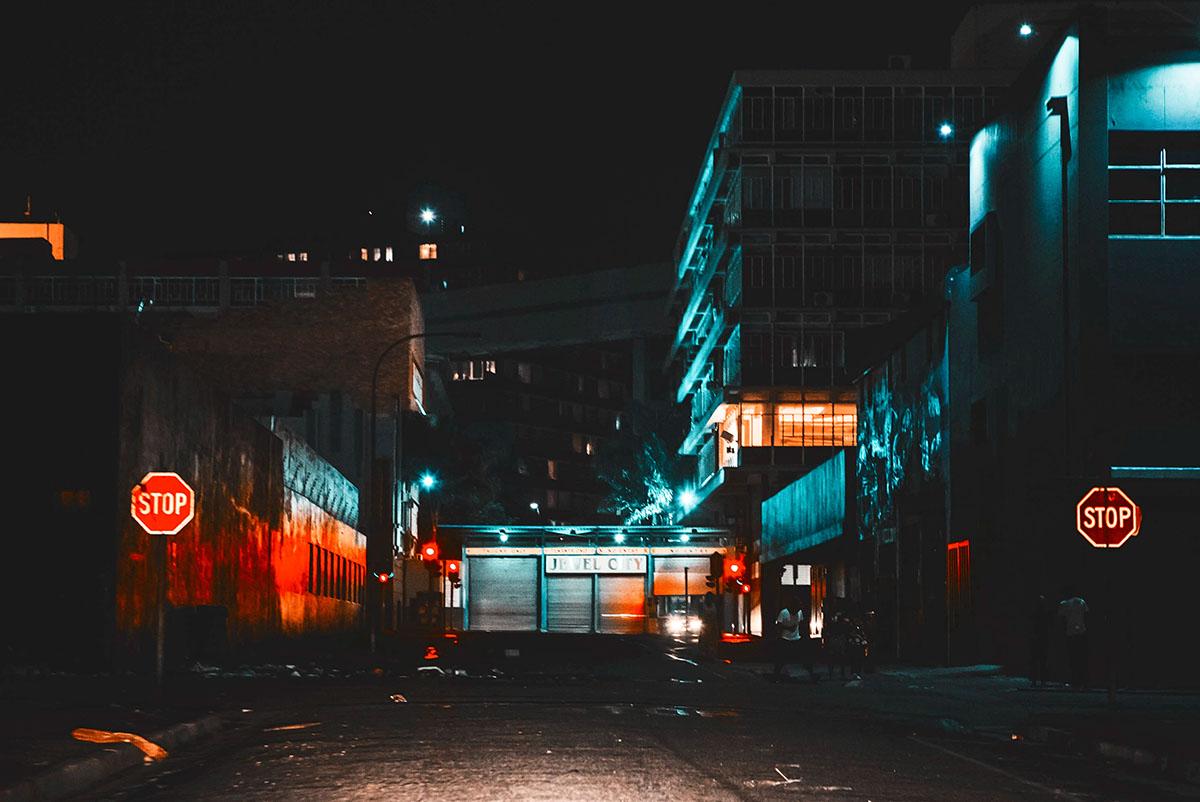 elsa-bleda-neon-photography-8.jpg