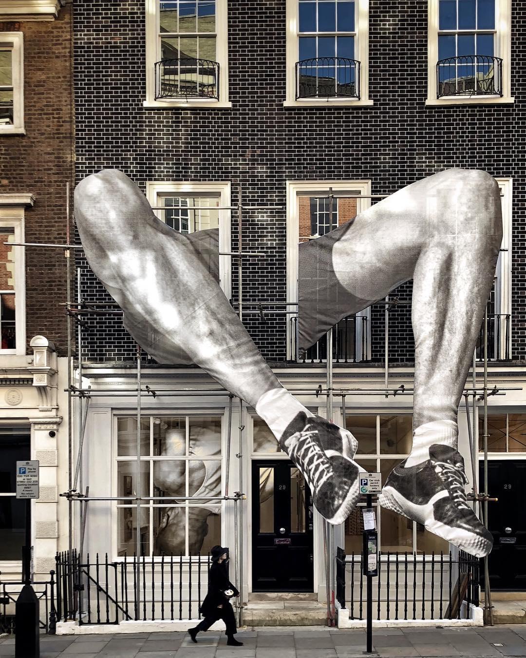jr-giants-art-exhibition-london-2.jpg
