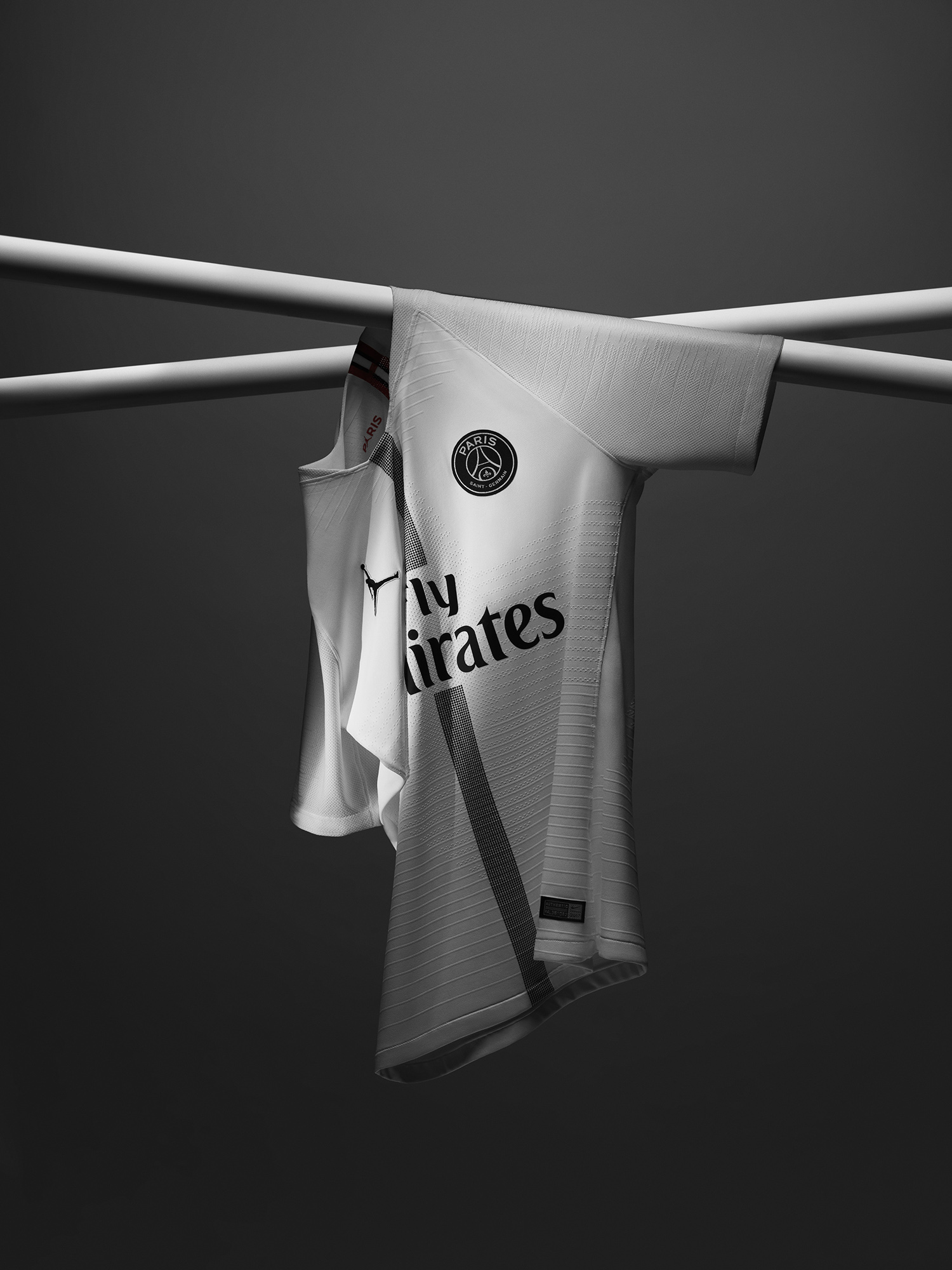 Jordan-Brand-x-Paris-Saint-Germain-1.jpg