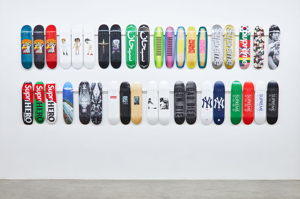 https_%2F%2Fhypebeast.com%2Fimage%2F2018%2F11%2Fsupreme-skate-deck-accessory-collection-inferno-exhibition-7.jpg