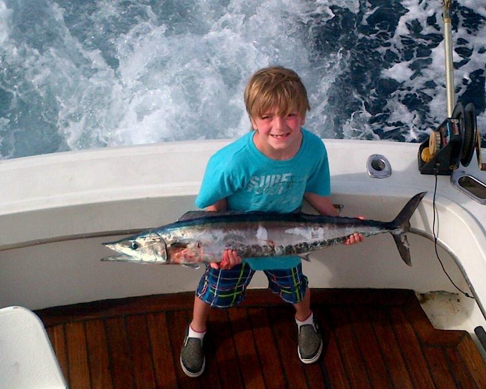 4 HR DEEP SEA FISHING -