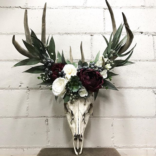 Seriously, I can't get over these skulls that my awesome customers are bringing into me to pretty up! Here's one that just went out the door. #thecountrystore