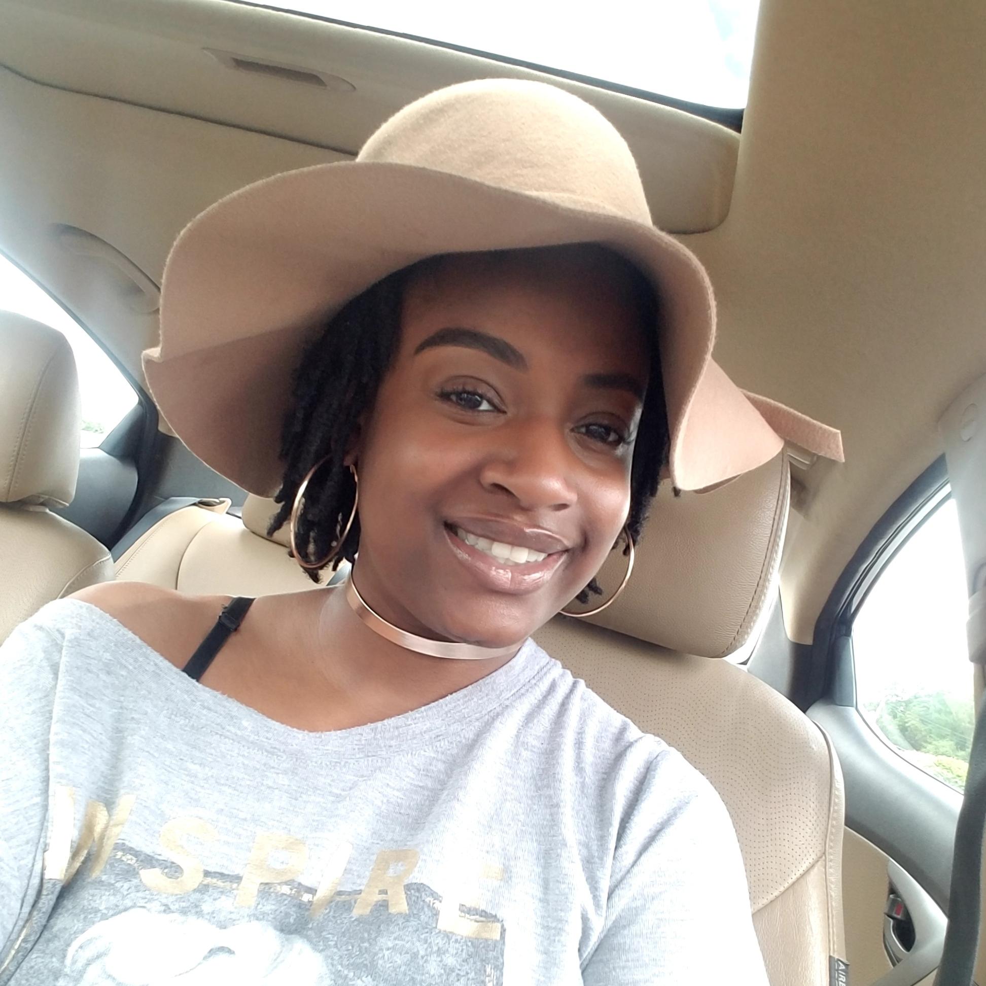 Meet Litisha, the teeth whitening dentist behind  Glow Smiles   Location: Atlanta, Georgia
