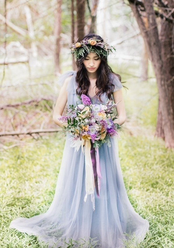 Gorgeous blue wedding dress perfect for the offbeat bride!