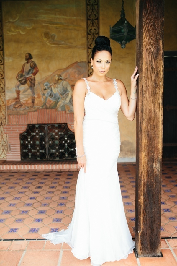 This glam bride is totally stunning!