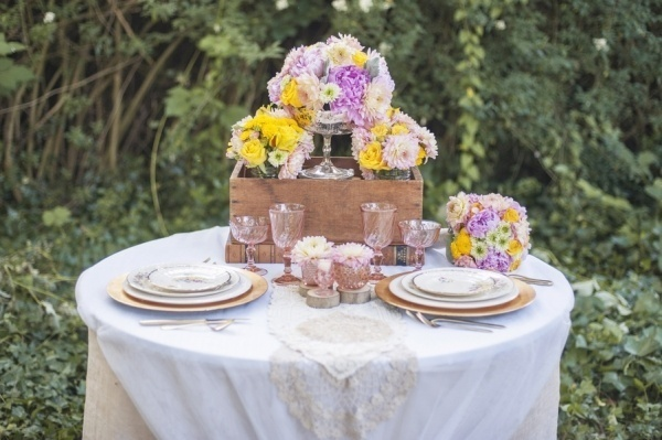 Adorable rustic spring sweetheart table decor for the reception