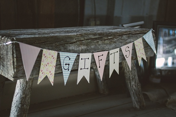 Wedding gifts table. Simple and sweet signage!