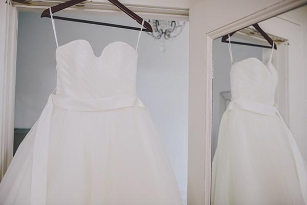 Elegant fluffy classic wedding dress