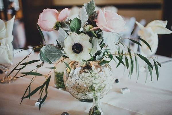 Elegant and simple indoor wedding centerpieces