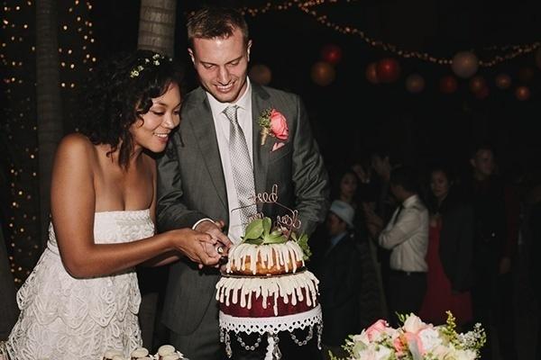 Pretty wedding bundt cake