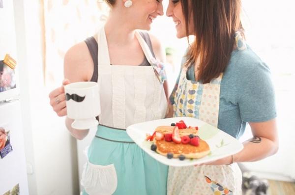 Sweet home breakfast engagement shoot!