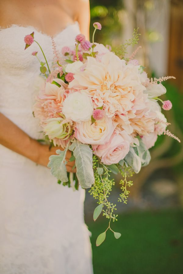 Photo by  Closer to Love Photography via  Junebug Weddings