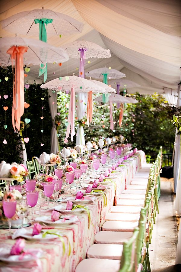 Photo by  Events in the City via Hostess with the Mostess