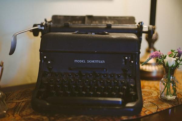 Beautiful typewriter guestbook