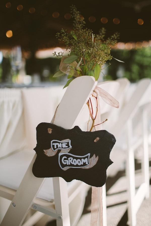 Lovely groom chair table!