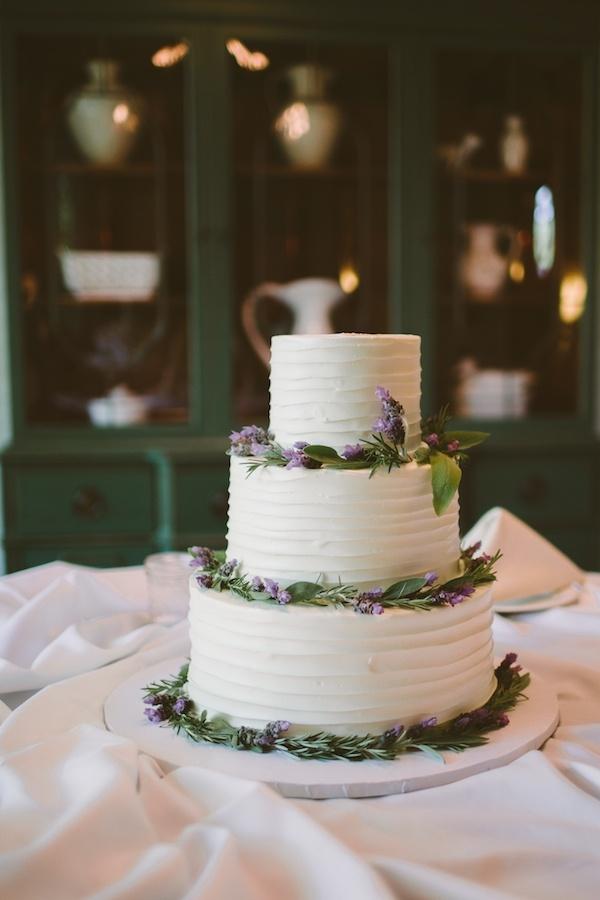 Lovely rustic buttercream wedding cake!